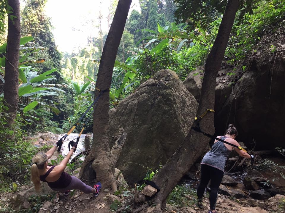 TRX-workouts-in-the-jungle-thailand-fitness-bootcamp-