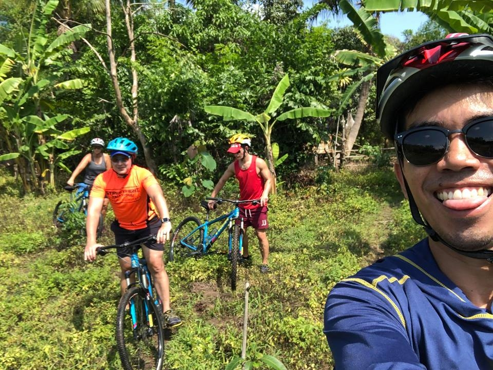 cycle-in-the-banana-grove-bootcamp-holidays-Chiang-Mai