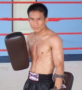 Chon teaches Muay Thai at the Thai camp in Chiang Mai
